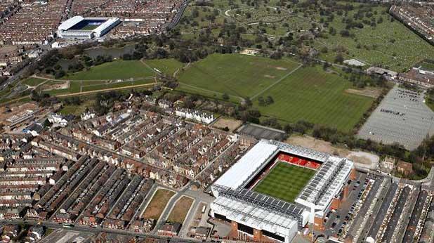 Стадионите на Ливърпул и Евертън