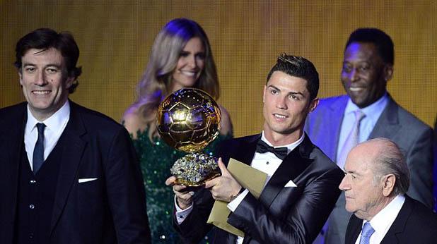 """Роналдо със """"Златната топка"""""""