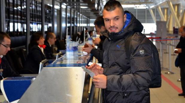 валери на летището с левски