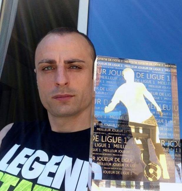 бербатов играч на месеца във Франция