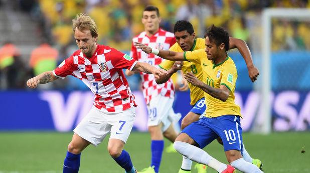 ракитич, неймар по време на бразилия - хърватия на мондиал 2014