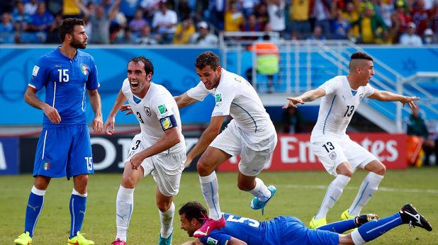 уругвай бие италия с 1-0 и се класира напред на световното