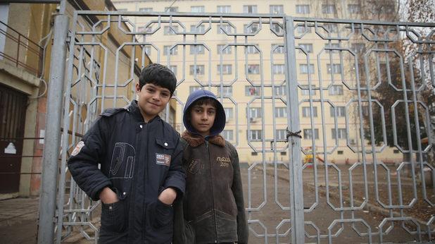 Деца пред центъра в Овча Купел
