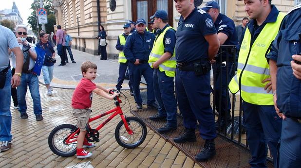 Полицай и дете