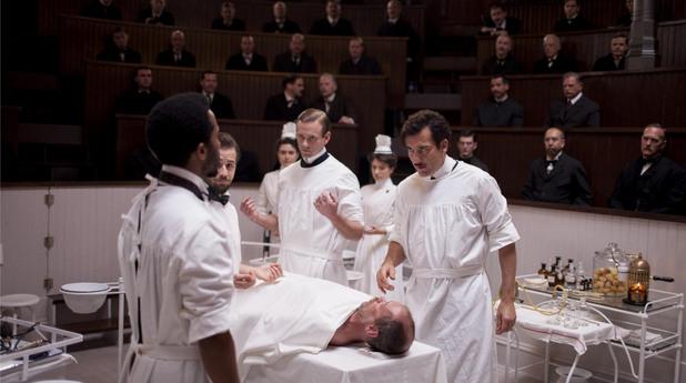хирургът