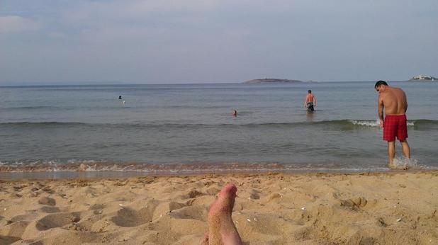 С крака на море