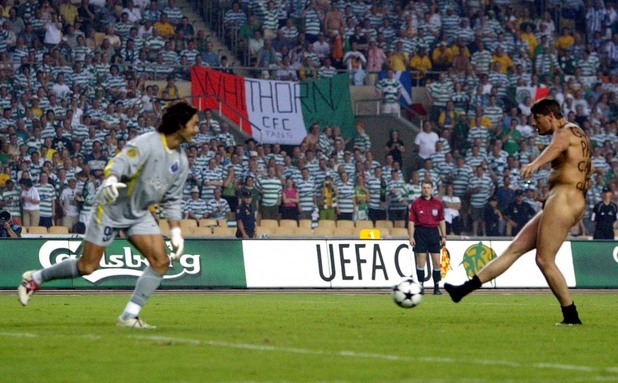 Робъртс, Купа на УЕФА