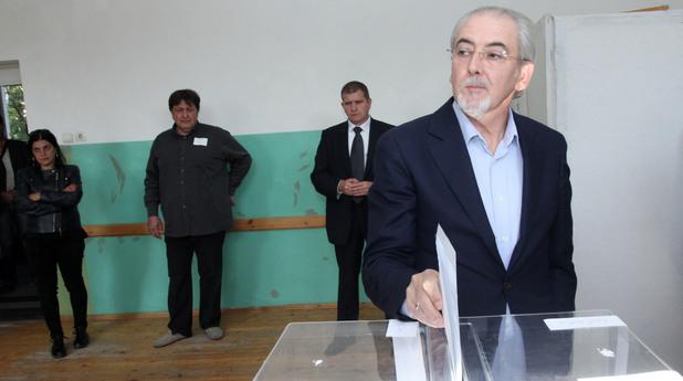 Лютви Местан от ДПС гласува