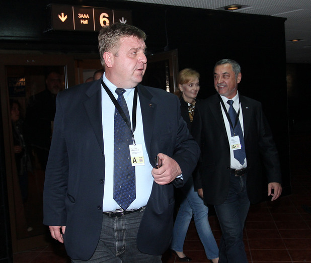 Николай Каракачанов  и Валери Сименово от Патриотичния Фронт в НДК малко след обявяване на първите резултати от изборите