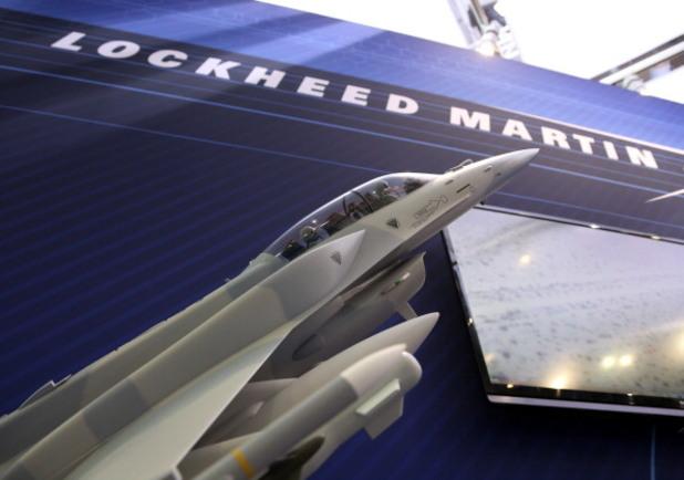 модел на изтребител f-16 на lockheed martin