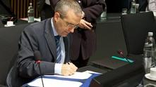 Димитър Цанчев, посланик на България в ЕС, подписва ключовото споразумение за разширяване на автоматичния обмен на финансова и банкова информация