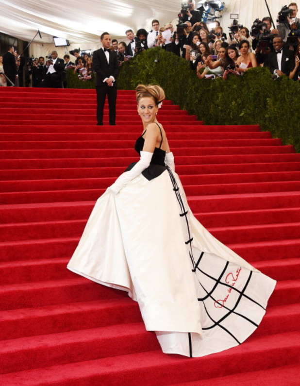 сара джесика паркър в рокля на оскар де ла рента