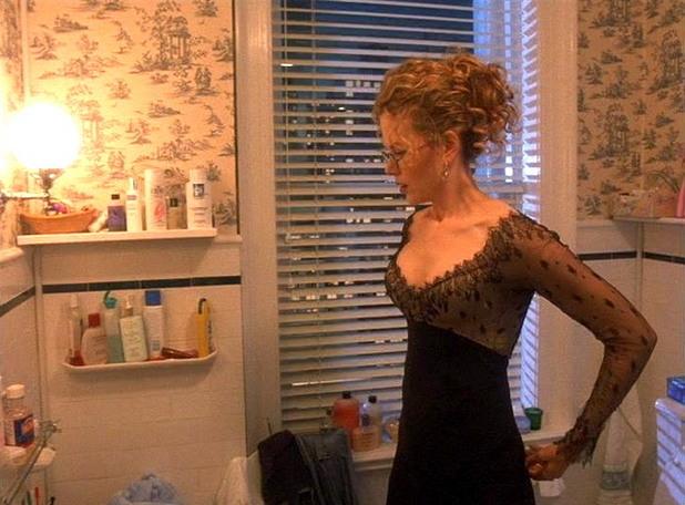 Nicole Kidman rear-end flash