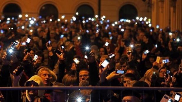протест в унгария срещу данък-интернет