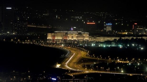 Нощният изглед на палата