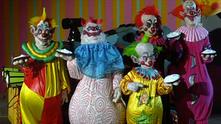 Клоуни убийци от космоса