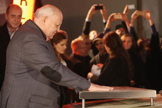 михаил горбачов в берлин на честването на 25 години от падането на берлинската стена
