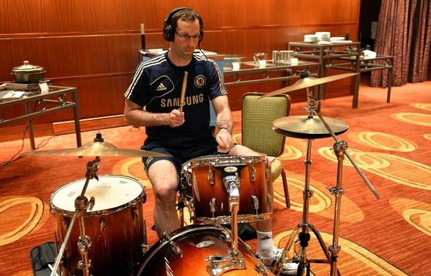 чех на барабани