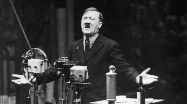 адолф хитлер през 1935
