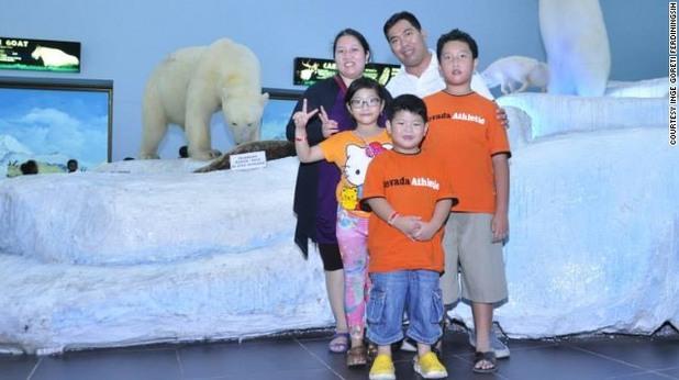 инге горети и семейството й отменят резервациите си ден преди фаталния полет на airasia