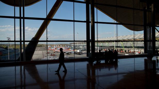 На летището в Мадрид живее бездомен българин