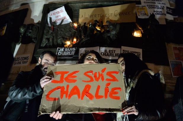 демонстрация в париж в подкрепа на свободата на словото след кървавия атентат в редакцията на charlie hebdo