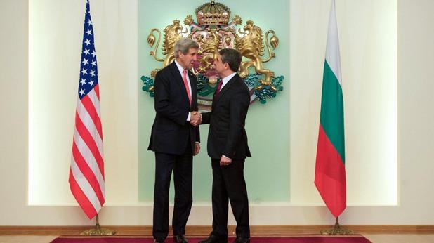 американският държавен секретар джон кери и българският президент росен плевнелиев