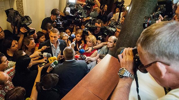Атака на журналисти в парламента