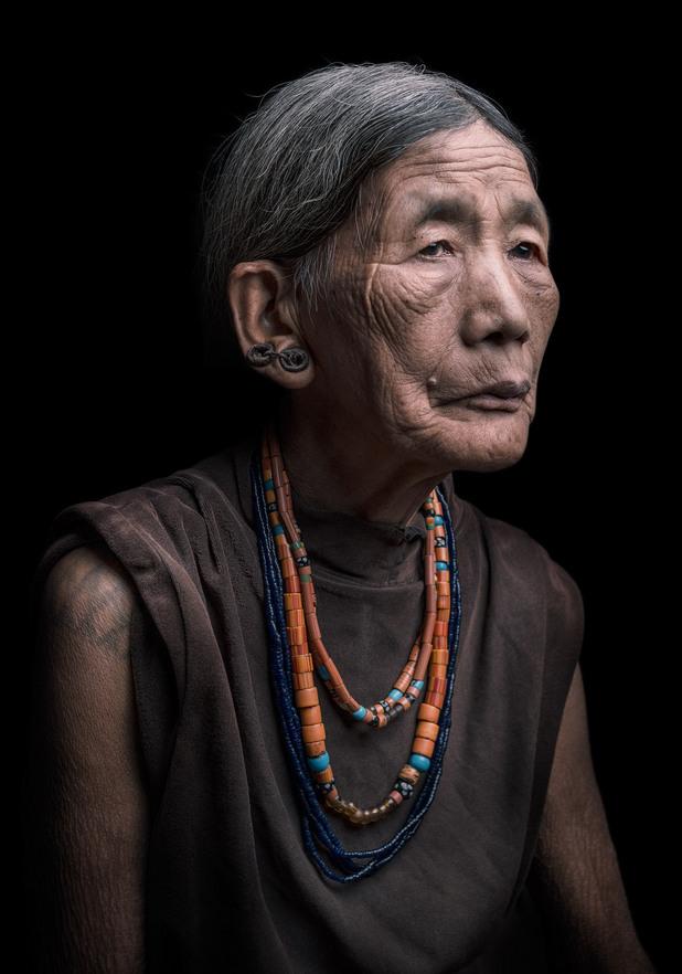 Жена от племето Коняк