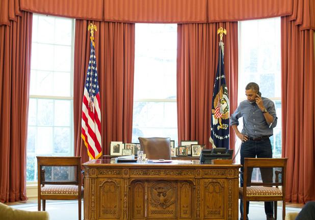 президентът на САЩ Барак Обама лично се обърна към Владимир Путин с настояване за постигане на мирно споразумение в телефонен разговор