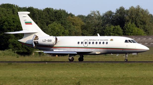 Правителственият самолет, на борда на който се намира министър-председателят Бойко Борисов, и който кръжа над София заради проблем, вече се е приземил успешно на летището,