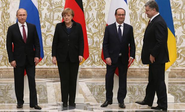 Вламидир Путин, Ангела Меркел, Франсоа Оланд и Петро Порошенко на среща в Минск за мир в Украйна