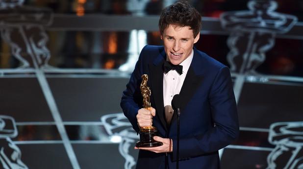 """Най-добър актьор стана британецът Еди Редмейн за ролята си на физика Стивън  Хокинг във филма """"Теорията на всично""""."""