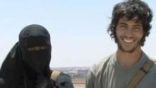 Хадия Дар и съпругът й Абу Бакр, в документален филм на  Channel 4