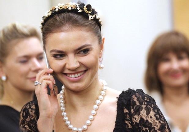 Алина Кабаева роди наследник на Путин?