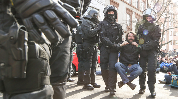 Ожесточени протести във Франкфурт срещу икономиите на ЕЦБ