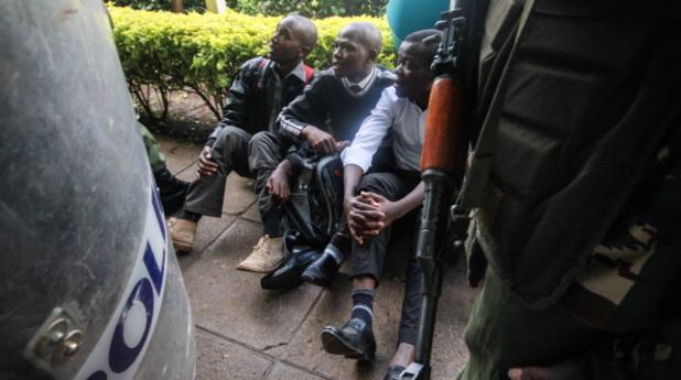 Студенти и полицаи в Кения