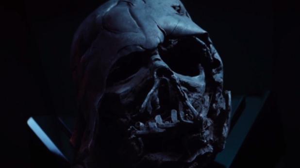 маската на дарт вейдър в междузвездни войни 7