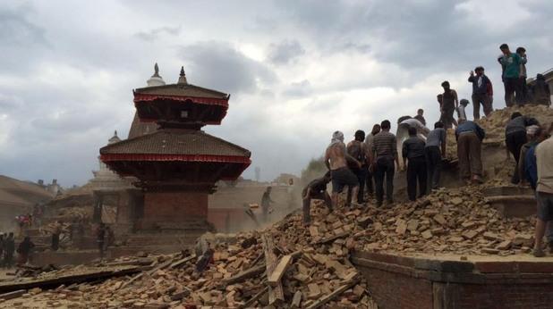 Трус от 7.9 по Рихтер взе жертви в Непал