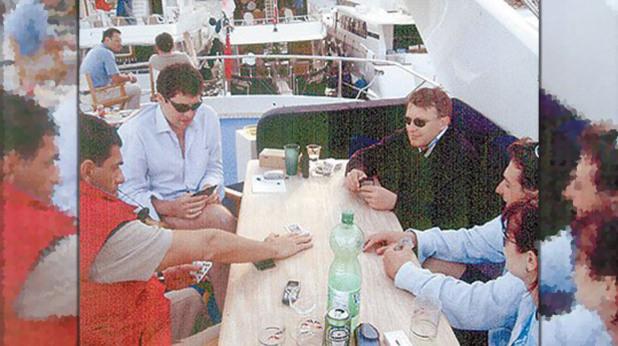 Снимкат от яхтата в Монако, на които министър Милен Велчев е заедно с Иван Тодоров-Доктора.и Спас Русев