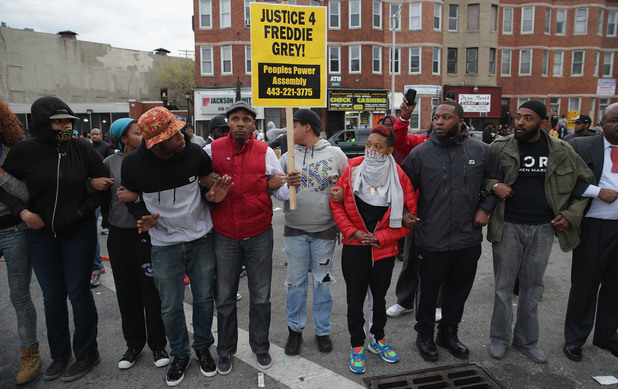 Бунтове и извънредно положение в Балтимор