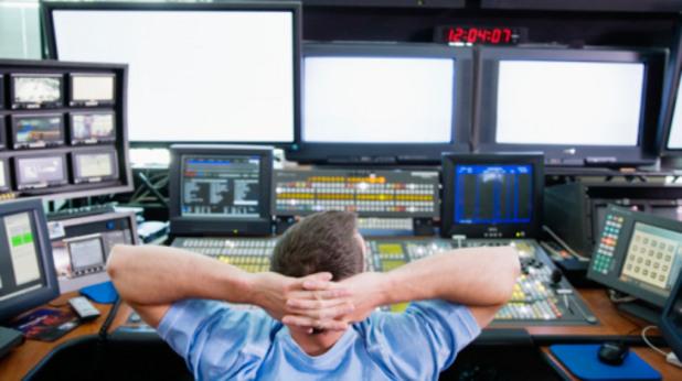 служител в телевизия