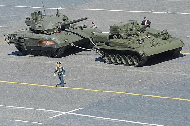 """Руската гордост """"Армата"""" аварира на Червения площад"""