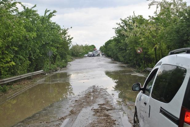 наводнение по пътя между велико търново и русе