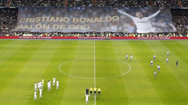 феновете поздравяват роналдо за третата му златна топка