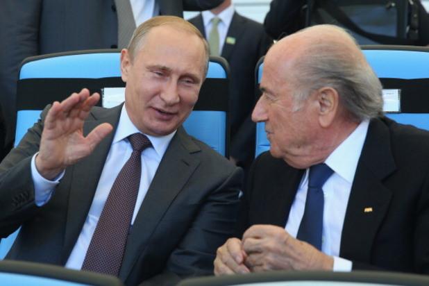 владимир путин и сеп блатер на финала на световното първенство по футбол в бразилия