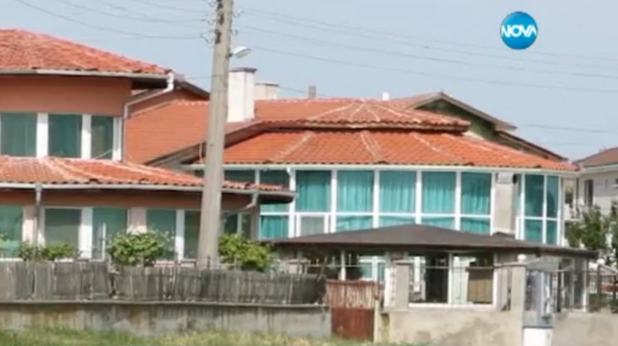 варненският град игнатиево под полицейска блокада заради разследване на престъпна схема за джебчийство