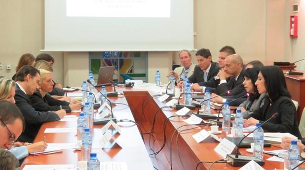 среща на специалния пратеник на държавния секретар на сащ амос хохстейн и министъра на енергетиката теменужка петкова