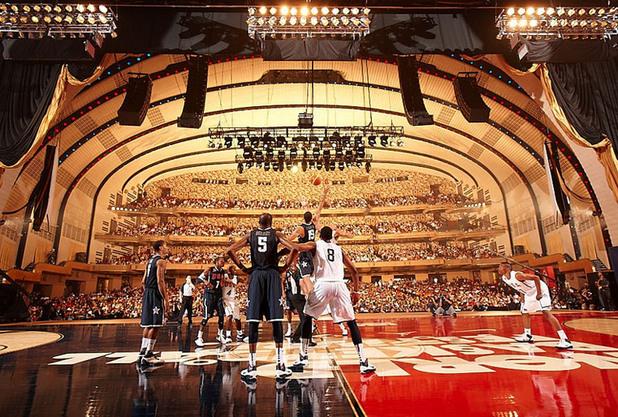 Баскетбол в Радио Сити Мюзик Хол