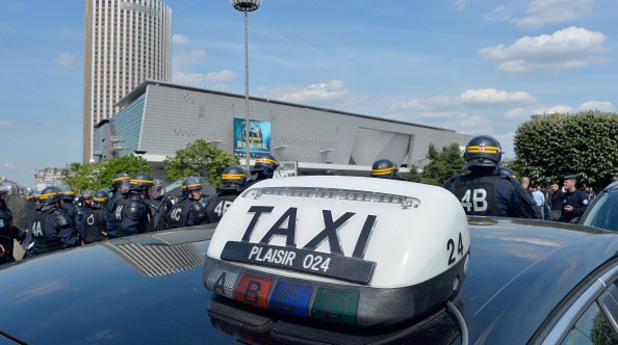франция, полиция, протест, такси, таксита, юбер, uber